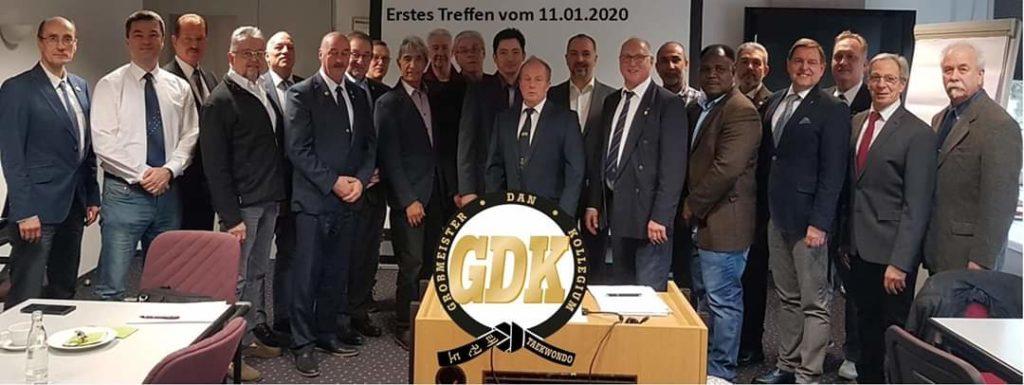 Die Teilnehmer des ersten Großmeister Dan Kollegiums